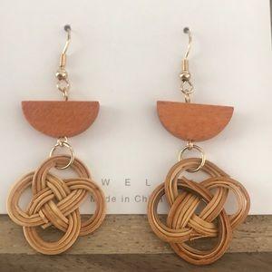Wicker dangling earrings